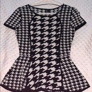 Black & white houndstooth Peplum short sleeve top